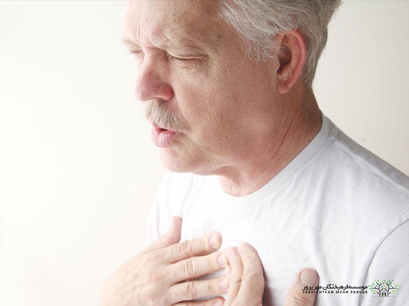 علت تنگی نفس در سالمندان